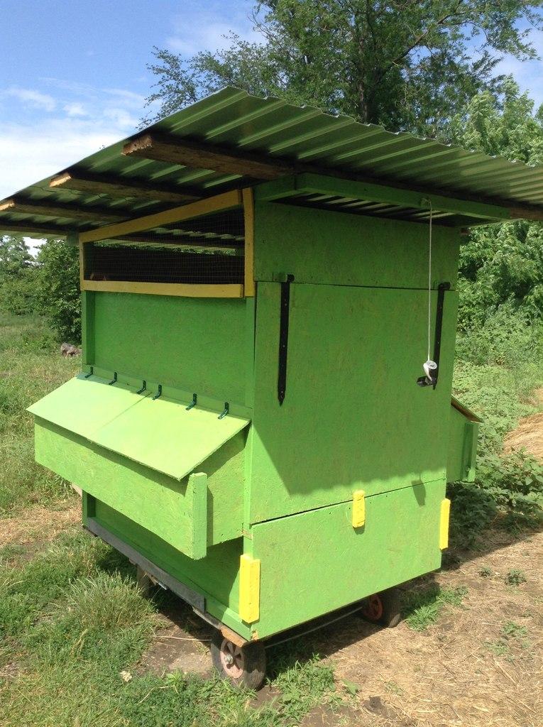 Куриный трактор: как мы сделали наш мобильный курятник